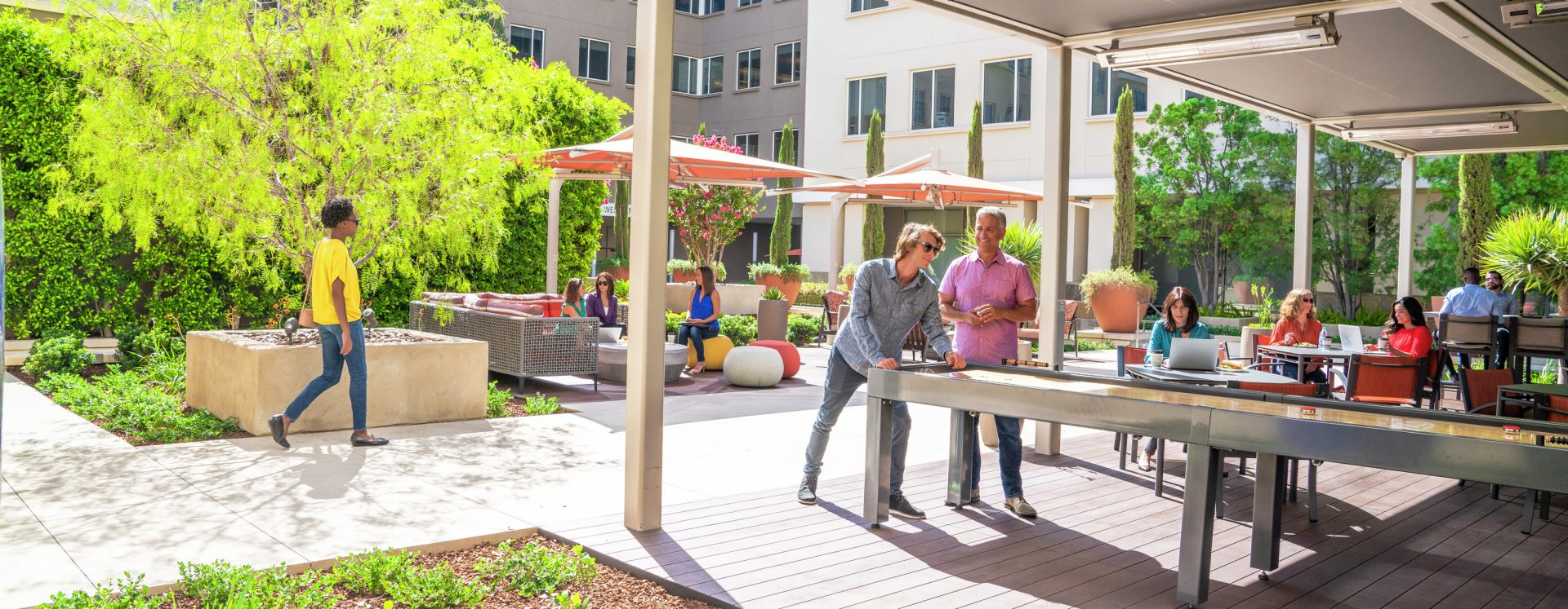 Lifestyle photography of the outdoor workpace and areas at Western Asset Plaza in Pasadena, CA